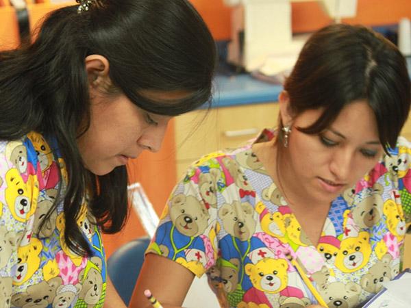 【中美洲】Jessenia ,不斷地練習與自我突破的年輕車縫師